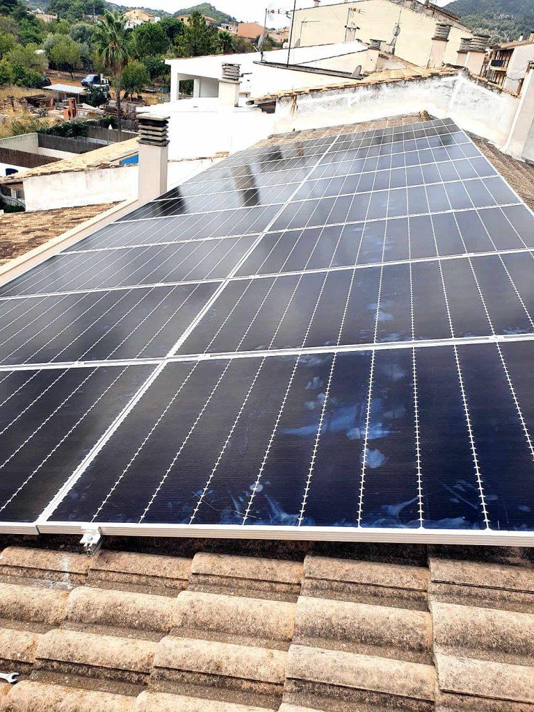 instalación placas solares autoconsumo alaró tejado